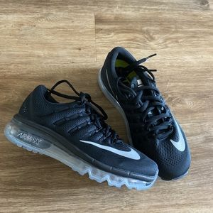 Nike women's black air max running shoes